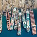 <p> Nhưng đến tháng 6, các bãi ở Aliaga gần Izmir trên bờ biển phía tây của Thổ Nhĩ Kỳ đã bắt đầu tháo dỡ 5 tàu du lịch đến từ Anh, Ý, Mỹ và sắp tới là 3 tàu nữa. Vào tháng 7, nhà điều hành Carnival thông báo loại 13 du thuyền khỏi đội tàu.Ảnh: <em>Reuters/ Umit Bektas</em></p>