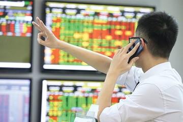 'Ồ ạt' bán cuối phiên, VN-Index giảm 16 điểm