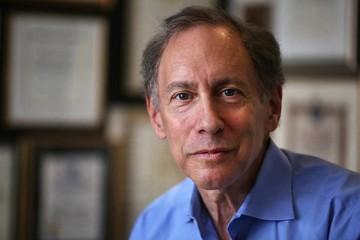 Thêm một giáo sư MIT trở thành tỷ phú nhờ công ty nghiên cứu vaccine Covid-19