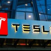 Tesla được đưa vào chỉ số S&P 500