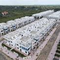 <p> UBND huyện Trảng Bom ghi nhận hiện trạng tại dự án LDG đã san nền, xây dựng hoàn thiện 60% hệ thống hạ tầng kỹ thuật; 488 căn nhà biệt thự và liên kế được xây thô theo Quy hoạch 1/500.</p>