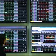 Cổ phiếu thép và dầu khí đua nhau tăng giá, VN-Index lên hơn 18 điểm