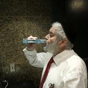 Nước súc miệng có thể diệt virus Corona trong 30 giây