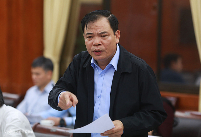 Bộ trưởng Nguyễn Xuân Cường trong cuộc họp chiều 17/11. Ảnh: Tất Định.