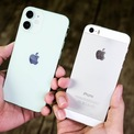 <p> Cụm camera kép 12 MP trên iPhone 12 mini được làm to và nổi bật hơn so với camera 8 MP trên iPhone 5S. Mẫu iPhone mới được trang bị nhiều chế độ chụp ảnh như góc rộng, chân dung và đêm. Tốc độ lấy nét và chụp ảnh trên iPhone 12 mini nhanh hơn so với iPhone 5S.</p>