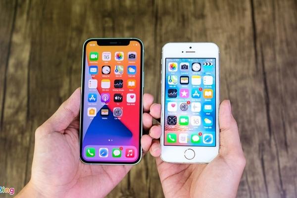 iPhone 12 mini với iPhone 5S đọ dáng