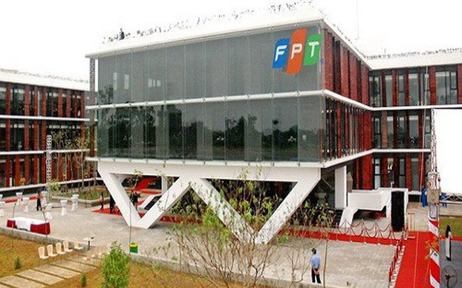 Hai quỹ ngoại trao tay 1 triệu cổ phiếu FPT