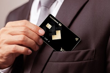 Thẻ Visa Signature của Techcombank: Hạn mức tín dụng 1,2 tỷ đồng và loạt tiện ích giá trị