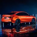 <p> Thiết kế mới giúp mẫu sedan của Civic nhìn thấp và rộng hơn bản cũ. Xe có màu sơn mới làmàu cam Solar Flare Pearl.</p>