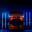 <p> Phần đầu xe với lưới tản nhiệt rõ nét hơn, cụm đèn pha thiết kế mới, dải đèn LED định vị có tạo hình móc câu.</p>