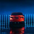 <p> Đuôi xe cũng có đèn hậu mới, thay thế cho kiểu đèn tạo hình chữ C đặc trưng ở các thế hệ Civic trước đây.</p>