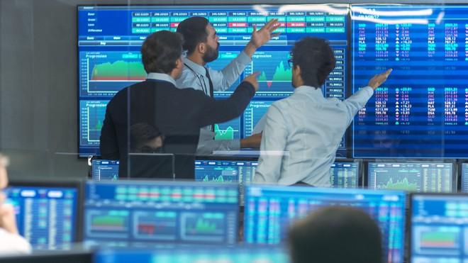 Khối ngoại tiếp tục mua ròng 385 tỷ đồng, gom mạnh cổ phiếu bluechip