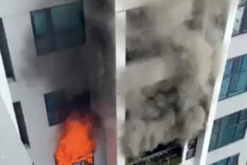 Cháy chung cư ở Hà Nội, cả trăm người tháo chạy