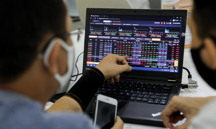 Khối ngoại tiếp tục mua ròng 110 tỷ đồng, vẫn gom mạnh VJC
