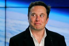 Đằng sau sự vụt sáng từ công ty sắp phá sản thành hãng xe hơi lớn nhất thế giới của Tesla