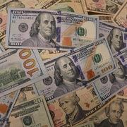 Hơn 71 tỷ USD được 'bơm' vào các quỹ chứng khoán toàn cầu