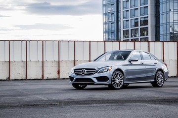 Triệu hồi hơn 3.000 xe hạng sang Mercedes do lỗi túi khí