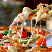 Tại sao nhiều nhà hàng pizza sẵn sàng vứt bỏ đồ ăn lỗi chứ không cho nhân viên?