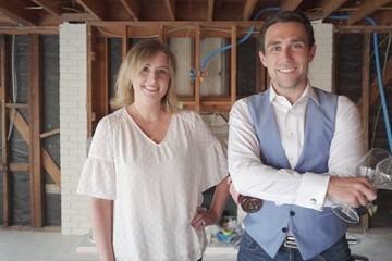 Cách một cặp vợ chồng kiếm được 6 triệu USD từ YouTube và bất động sản