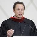 <p> Musk có 2 bằng tốt nghiệp chuyên ngành vật lý và kinh tế của trường Wharton thuộc Đại học Pennsylvania và chuyển tới Stanford để học tiến sĩ. Tuy nhiên, ông bỏ dở chương trình tiến sĩ để cùng em trai thành lập startup phần mềm Zip2 với số tiền 28.000 USD vay từ cha của mình. (Ảnh: <em>Reuters</em>)</p>