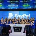 <p> Năm 1999, họ bán lại Zip với giá 307 triệu USD, giúp Musk bỏ túi 22 triệu USD. Ông đầu tư một nửa số này để đồng sáng lập X.com - dịch vụ ngân hàng trực tuyến. Công ty này nhanh chóng sáp nhập với đối thủ trở thành PayPal và Musk là cổ đông lớn nhất. Năm 2002, eBay mua lại PayPal và Musk ra đi với 180 triệu USD. (Ảnh: <em>Reuters</em>)</p>