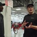 <p> Tháng 10/2008, Elon Musk trở thành CEO của Tesla và sa thải 25% nhân viên. Thời điểm này, Tesla chỉ có 9 triệu USD tiền mặt trong tay và đối mặt với nguy cơ không thể giao được xe Roadster cho các khách hàng đặt trước. Tesla khi đó phải huy động 40 triệu USD bằng việc phát hành trái phiếu chuyển đổi để tránh bị phá sản và đạt được các mục tiêu sản lượng. (Ảnh: <em>Youtube</em>)</p>
