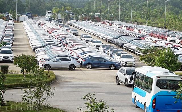 Bộ tài chính đề xuất kéo dài thời gian giảm lệ phí trước bạ ô tô lắp ráp trong nước thêm 6 tháng