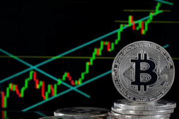 Đà tăng của Bitcoin lần này khác gì năm 2017