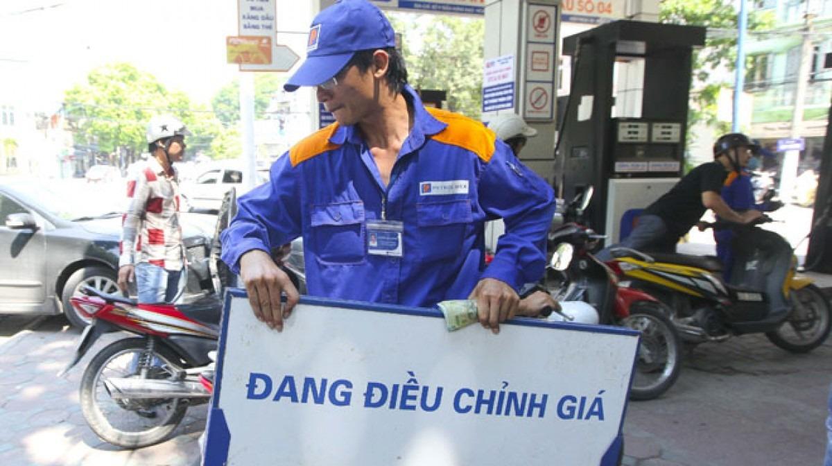 Xăng, dầu tăng giá từ 15h