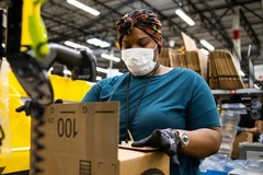 Amazon chi 500 triệu USD thưởng nhân viên