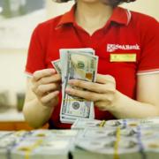 Thêm ngân hàng nộp hồ sơ niêm yết HoSE