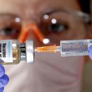 WHO: Có vaccine, Covid-19 sẽ cơ bản được kiểm soát trong năm 2021