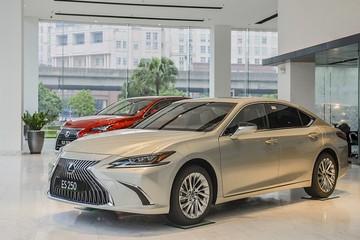 Lexus ES nâng cấp giá từ 2,54 tỷ đồng