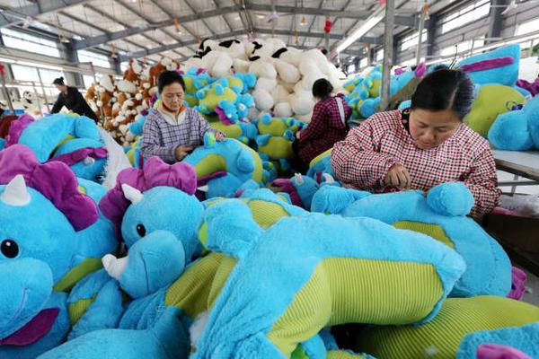 Sản xuất Trung Quốc lên đỉnh hơn 3 năm, tăng trưởng 9 tháng liên tiếp