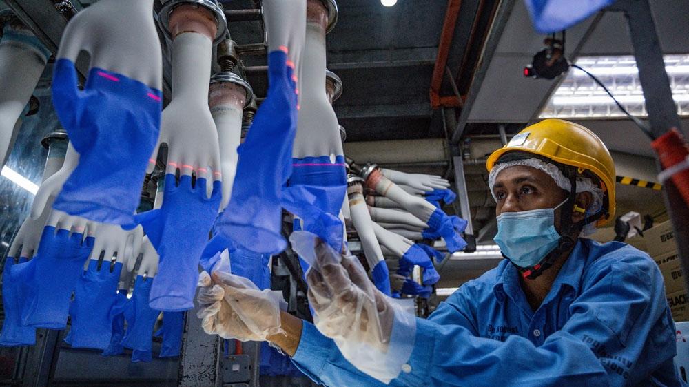Top Glove - hãng găng tay y tế lớn nhất thế giới thành ổ dịch Covid-19 tại Malaysia
