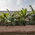 <p> Cây trồng trong vườn cũng được chọn từ những cây địa phương.</p>