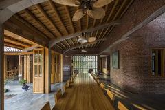 Ngôi nhà gỗ 1.200 m2 bề thế ở Phú Thọ