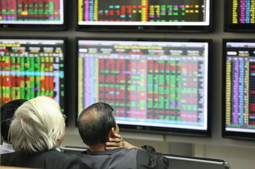 Cổ phiếu ngân hàng phân hóa, VN-Index giảm điểm