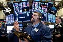 Nhà đầu tư chốt lời, Phố Wall giảm điểm