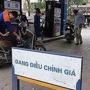 Xăng dầu trong nước sẽ 'sát' giá thế giới hơn