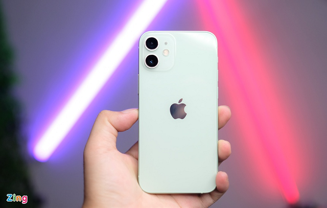 iPhone 12 mini ít được người dùng Việt ưa chuộng.