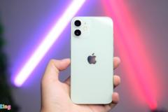 Giá iPhone 12 Pro Max xách tay cao hơn hàng chính hãng