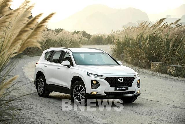 Hyundai Santa Fe đang sản xuất, lắp ráp và phân phối tại Việt Nam. Ảnh: BNEWS/TTXVN.