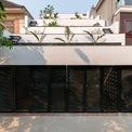 <p> Ngôi nhà tại Hà Tĩnh là kết hợp giữa kiến trúc và nông nghiệp làm cơ sở cho sự phát triển bền vững.</p>