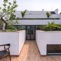 <p> Ý tưởng thiết kế là kết hợp 2 yếu tố đặc trưng của vùng nông thôn Việt Nam: Ngôi nhà (không gian ở) và ruộng bậc thang (không gian canh tác) để tạo ra một ngôi nhà với ranh giới mờ giữa trong và ngoài; trên và dưới; chung và riêng.</p>