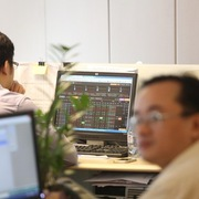 Khối ngoại mua ròng 293 tỷ đồng thông qua khớp lệnh trên HoSE, DIG bị bán thỏa thuận mạnh