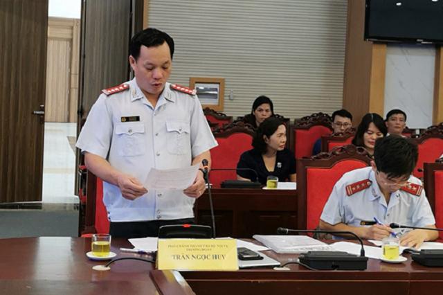 Phó Chánh Thanh tra Bộ Nội v.ụ Trần Ngọc Huy công bố quyết định thanh tra tại UBND tỉnh Sơn La vào tháng 10 vừa qua