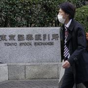 Trung Quốc công bố PMI dịch vụ, chứng khoán châu Á tăng
