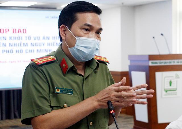Đại tá Nguyễn Sỹ Quang chủ trì buổi họp báo trưa 3/12.