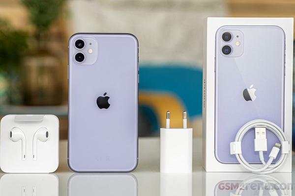 Chính phủ Brazil 'ép' Apple phải bán iPhone kèm theo củ sạc